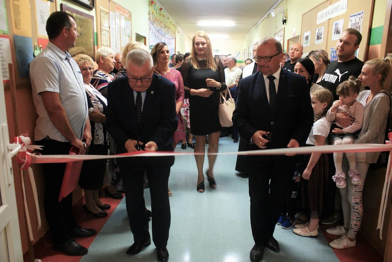 Uroczyste otwarcie nowego skrzydła Szkoły Podstawowej im. Jana Brzechwy w Żarskiej Wsi