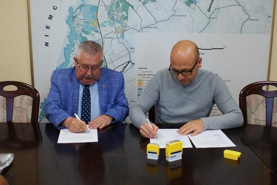 Podpisanie umowy na budowę żłobka w Jędrzychowicach
