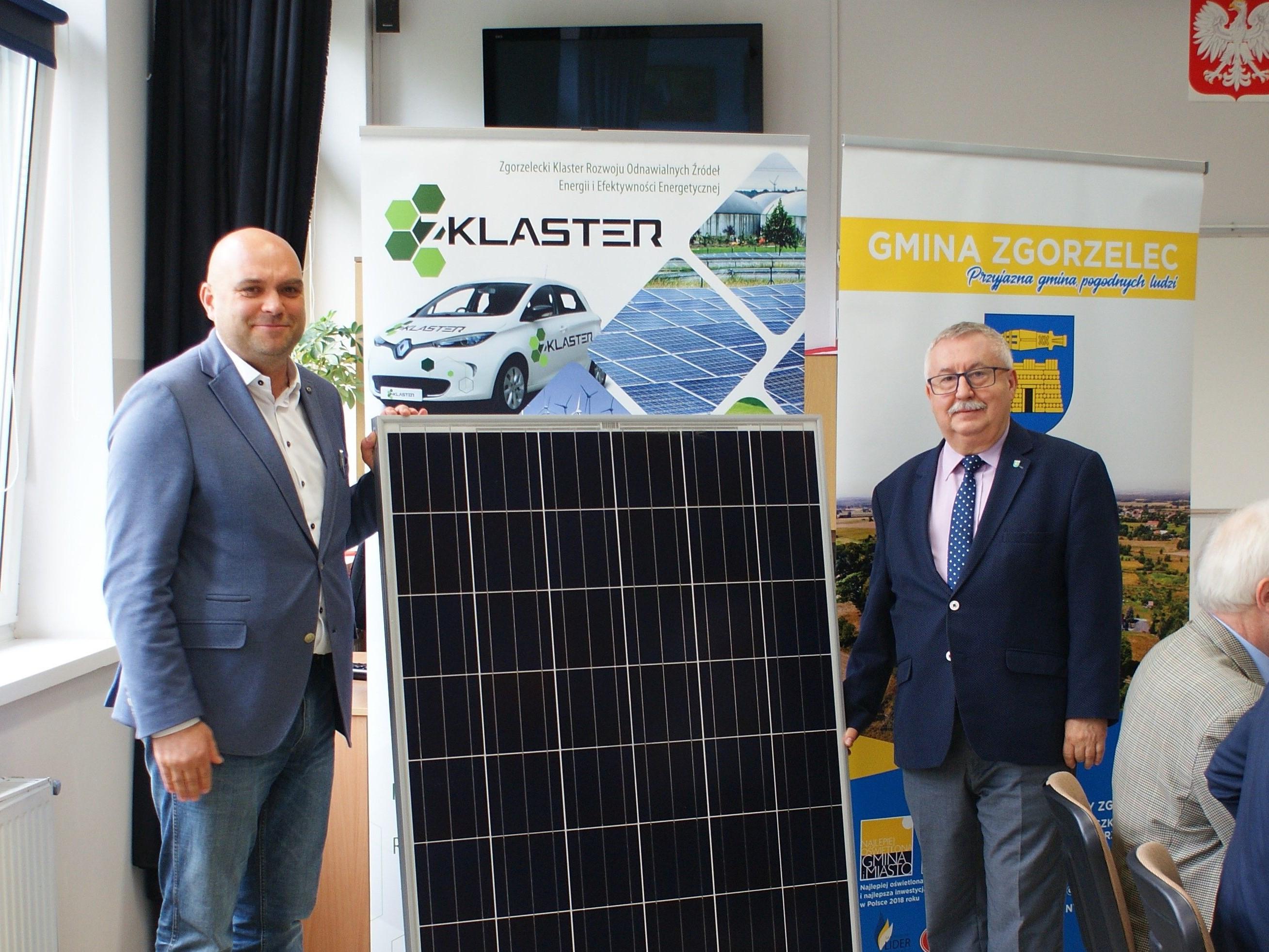 Otwarcie klastrowej instalacji fotowoltaicznej w Jerzmankach