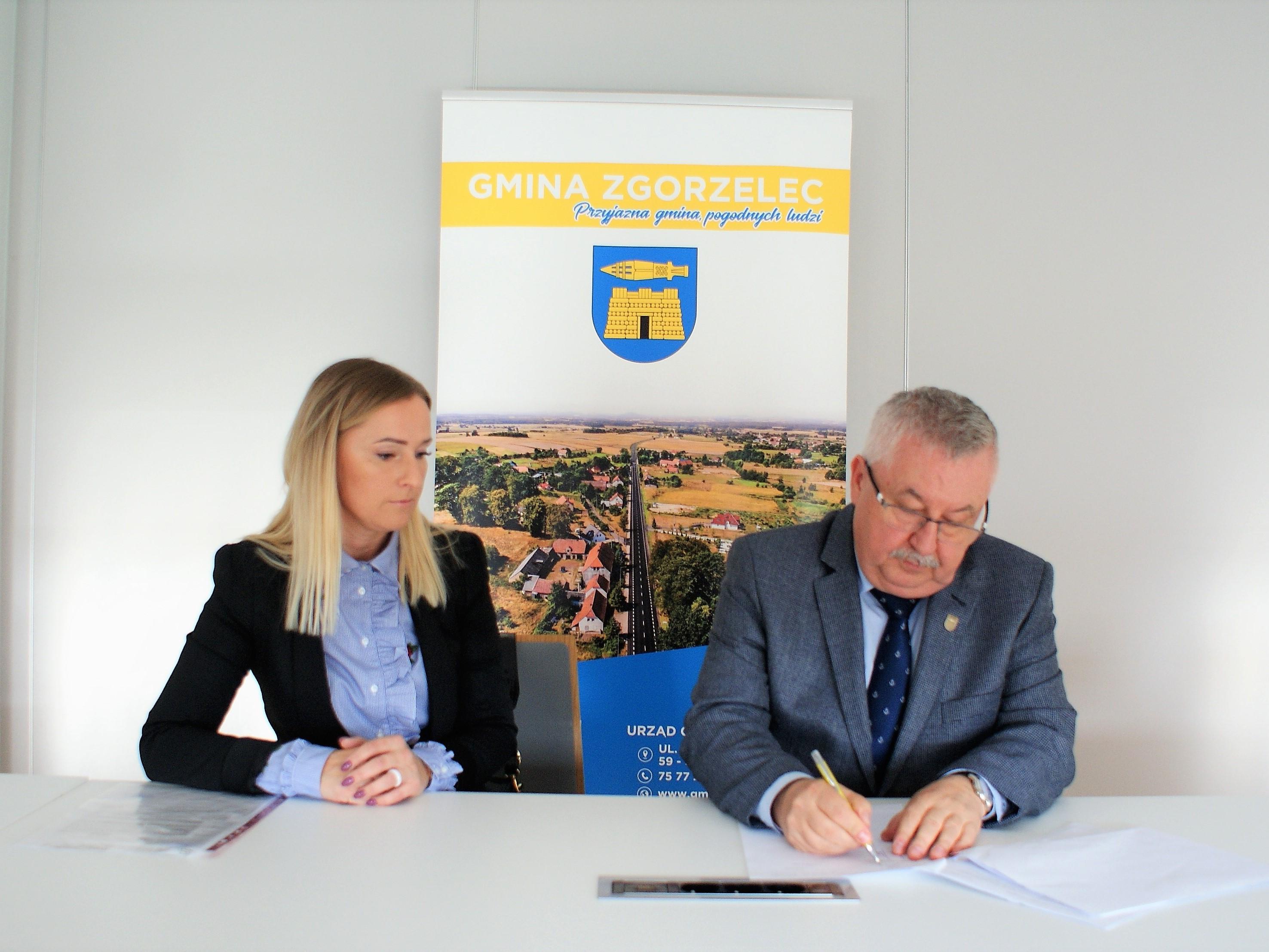 Umowa na bieżące utrzymanie dróg podpisana