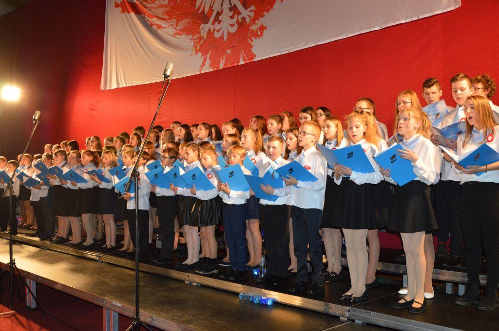 Domowe Śpiewanie Pieśni Patriotycznych