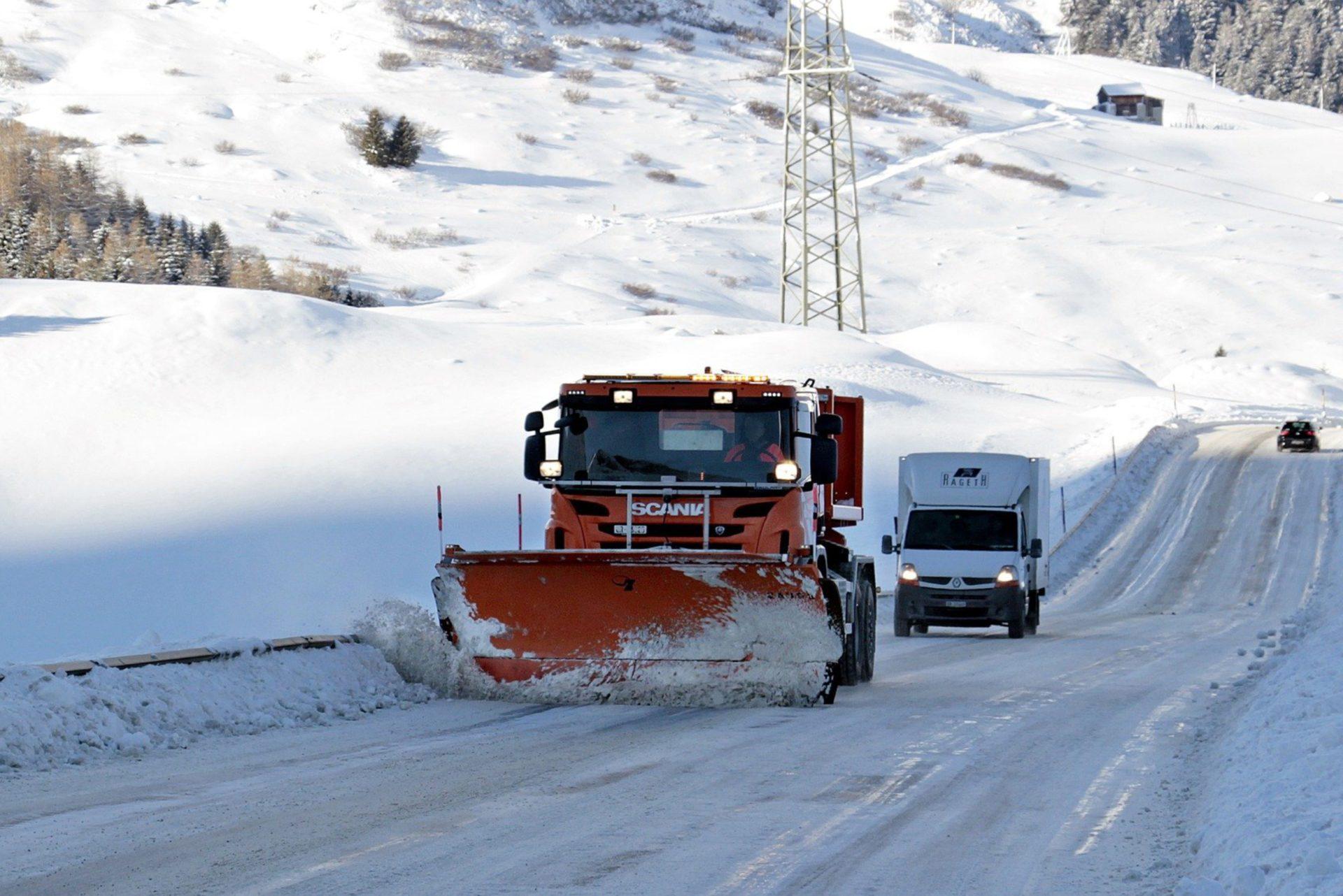 Zima na drogach – gdzie dzwonić?