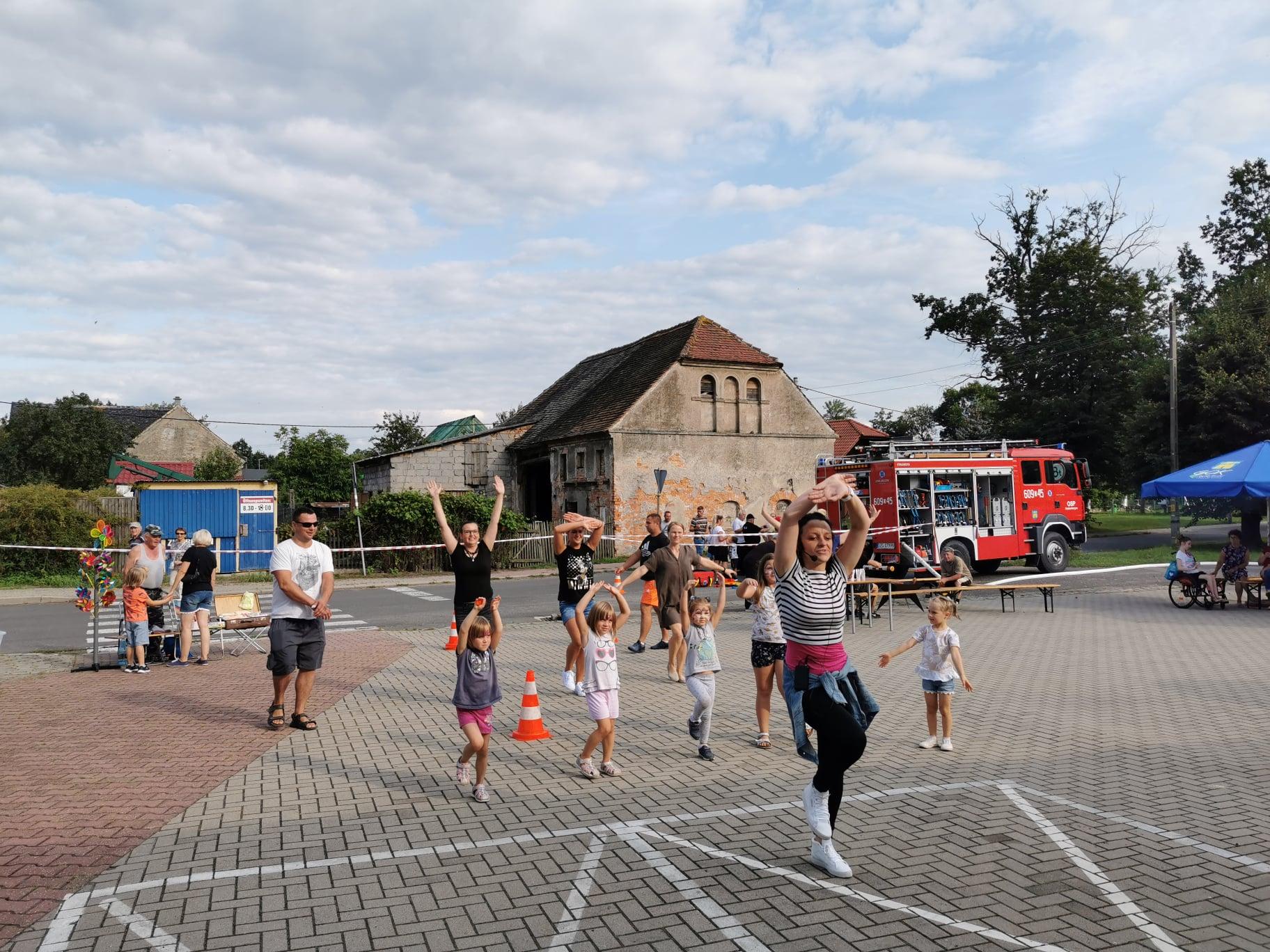 Festyn sportowy w Radomierzycach